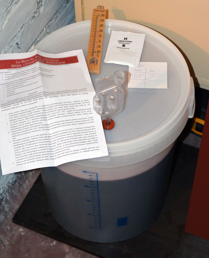 gotowy załadowany fermentor w magazynie