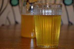 Wytrawny cydr z soku tłoczonego